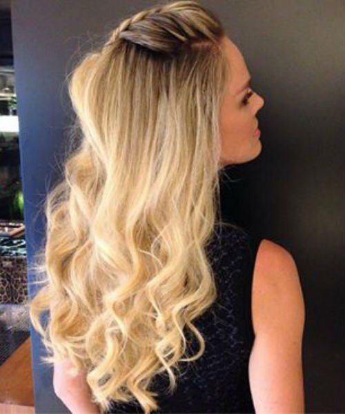 fabulous long curly blonde hairstyle ideas 2019 worth checking out