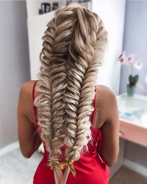 25 best prom hairstyles for long hair in this year