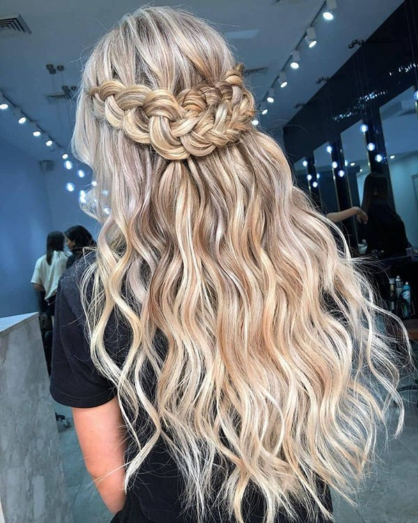 30 amazing prom hairstyles for long hair in 2020