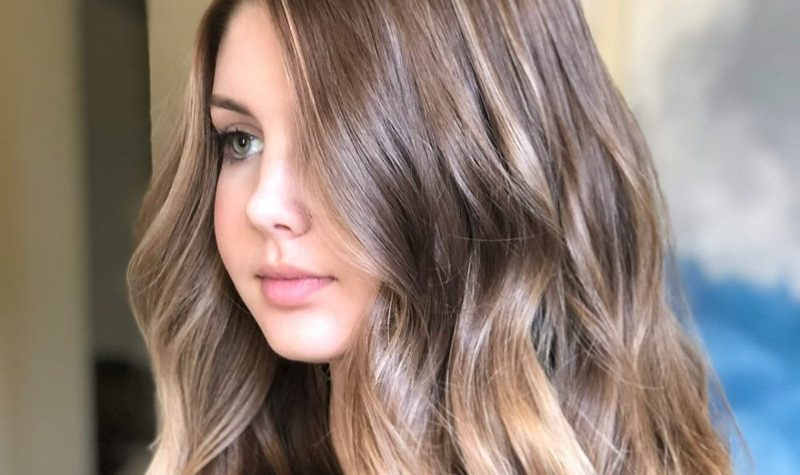 Round Face Long Hairstyle Best Of 18 Most Flattering Long Hairstyles for Round Faces (2021 Trends)